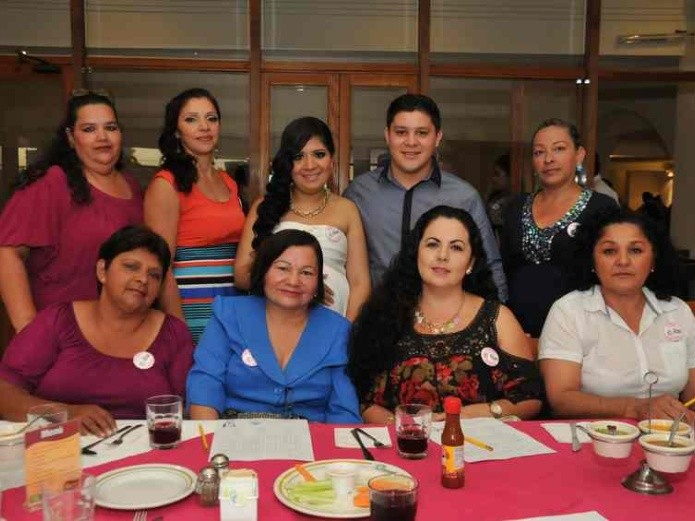 Cindy celebra baby shower